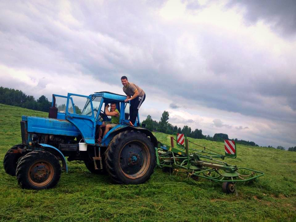 nopri-põllud-traktor